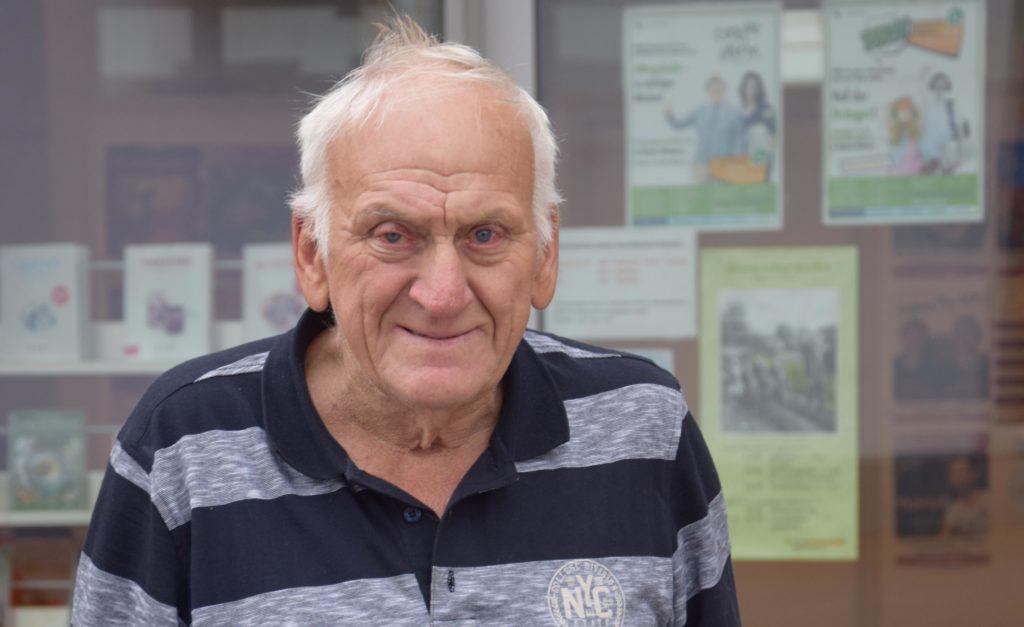Das Zeitungsaustragen hält Manfred Althoff (80) fit